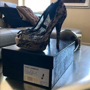 Dolce & Gabbana beige and black lace high heal
